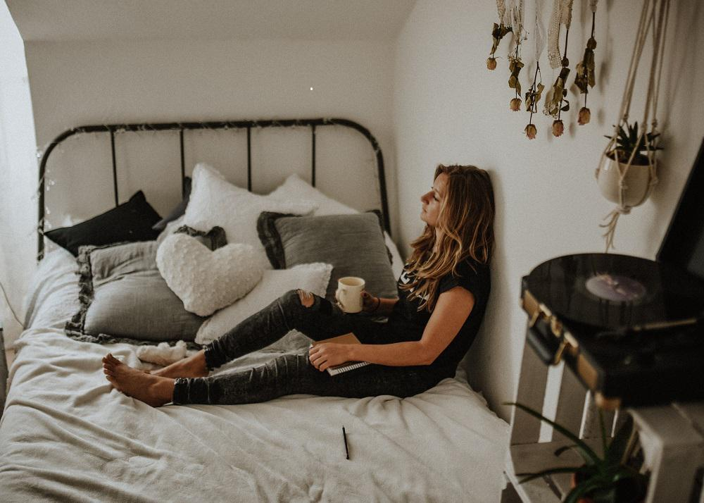 """Barely able to keep your eyes open during the day? Nodding off during important meetings? Constantly hitting your snooze button, for just """"one more minute of sleep""""? If any of these behaviors sound familiar it might be that you're simply not getting enough sleep, or you may have a vitamin deficiency. What is B12 and What Does It Do? This essential nutrient helps maintain the body's nervous system and red blood cells. It also makes DNA. This vitamin metabolizes every cell of the human body, including fatty and amino acids. Since B12 prevents anemia, a condition that can cause weakness and fatigue, someone who suffers from a deficiency often suffer from symptoms of anemia. Below are five signs you may be suffering from a Vitamin B12 Deficiency: 1. So Tired Every Day If the alarm clock has become your sworn enemy and your bed your best friend, it might be time for more B12. Constant fatigue is one of the main symptoms of a B12 deficiency, because when this vitamin is low, the body has fewer red blood cells. The primary job of those red blood cells is to transport oxygen from the lungs to other parts of the body. A lack of red blood cells translates to fatigue. That's why no matter how much you sleep get, if there aren't enough of these cells coursing through your body, then you'll still spend the day exhausted. 2. Feeling Weak All Week When that 5-pound weight feels like a ton of bricks, there could be other issues going on with your body. Oxygen is a necessity for muscles and recovery after exertion. In addition, B12 helps metabolize protein and fat, which are both essential for building muscle. Therefore, without enough B12, your muscles become weak and you end up feeling anemic and drained. 3. Always Under the Weather This nutrient is also responsible for the production of white blood cells, the cells that support the immune system. Therefore, when B12 is depleted you may get sick more often since you don't have the antibodies to fight off infections. 4. White as a """